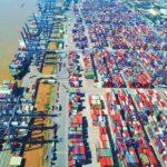 """Việt Nam là """"điểm sáng"""" kinh tế 2021"""